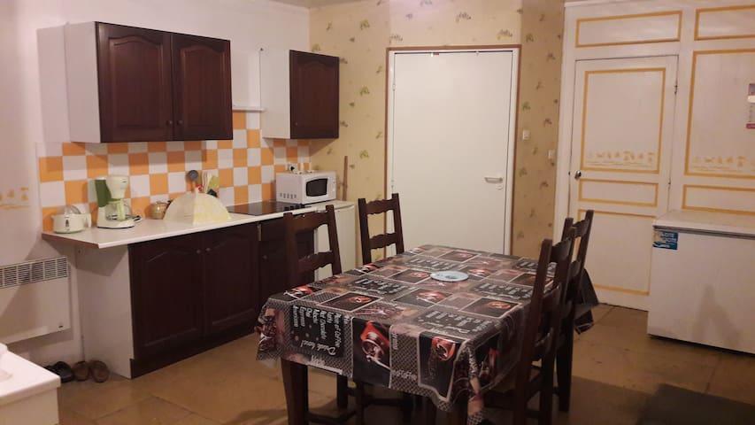"""Appartement 60 m2 """"AU CALME"""" à 9km de Chaumont"""