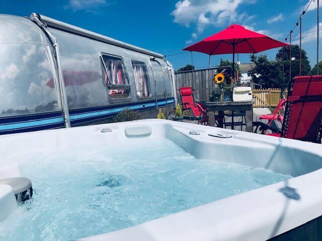 Poppy Airstream