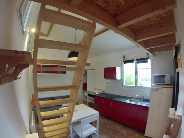 Studio avec mezzanine, garage et terrasse