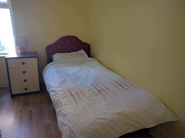 Single room close to city centre