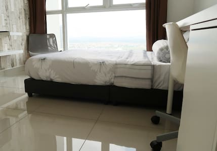 Bedroom With Private Toilet@ a Shared Guest House