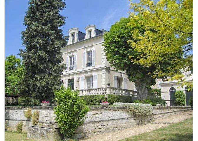 Grande maison bourgeoise & parc de 2000 m²