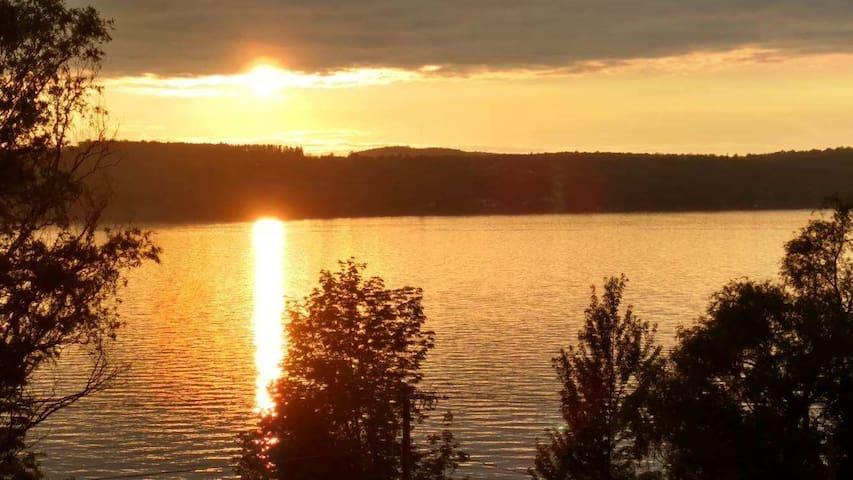 Sunset Deck - Canandaigua Lake - MILLION $$ VIEWS
