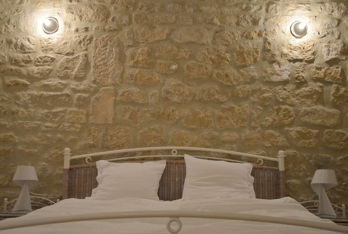Boutiqueroom in B&B with olivegrove - Mont Ventoux - Beaumont-du-Ventoux - Penzion (B&B)