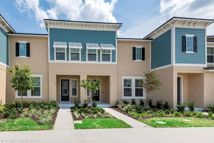1513CPC Orlando Newest  Resort Community Town Home