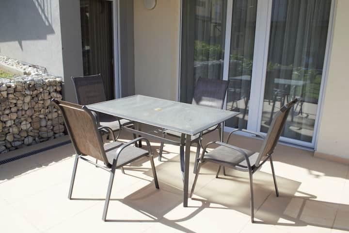 Terrace&Garden 2 bedroom+living room-2-6 persons