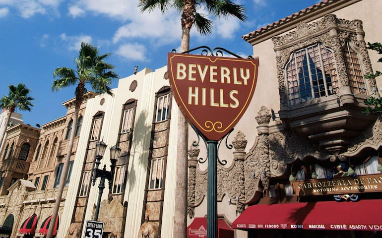 SANITIZED BEVERLY HILLS LIVING BY RODEO W/PARKING!