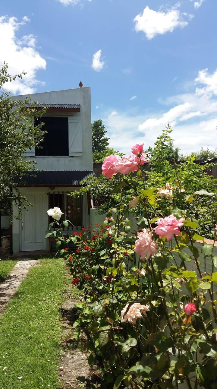 Departamento con amplio jardín en Santa Clara
