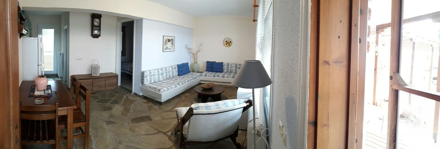 Sea apartment with amazing view! Enjoy and relax!! - Ierissos - Apartamento