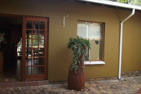 Lala Nathi Guest House - Midrand
