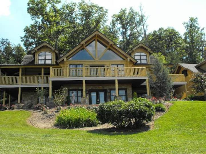 Smoky Mountain Lodge at Exit 407- Easy Access