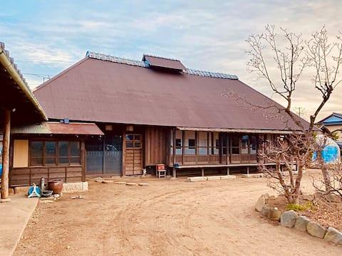 Mixed fun Dormitory Room 1 - GAMP HOUSE / Tadaaki