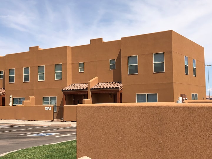 Moab Townhome Sleeps 8; Foosball, Fire Pit, Grill