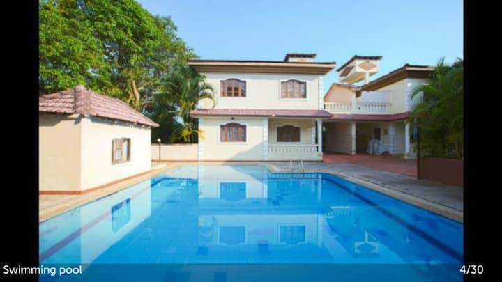 Luxury 4 bed Villa (B1) with pool Near Calangute