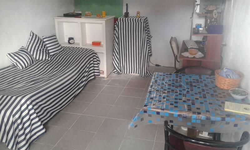 Rent habitacion to woman - Capilla del monte - Blockhütte
