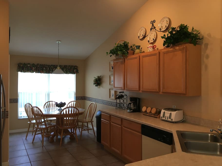 Large kitchen with cafe area for casual dining