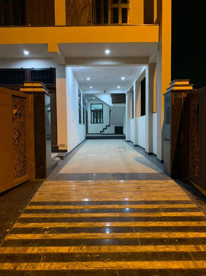 2 BHK Flat availble for partying or temporary stay