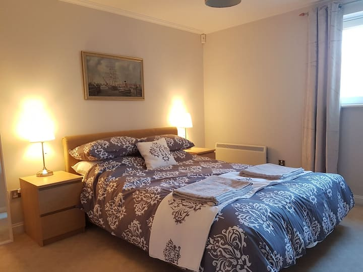 2 King Bed Luxury Flat Cardiff Bay (sleeps 5)