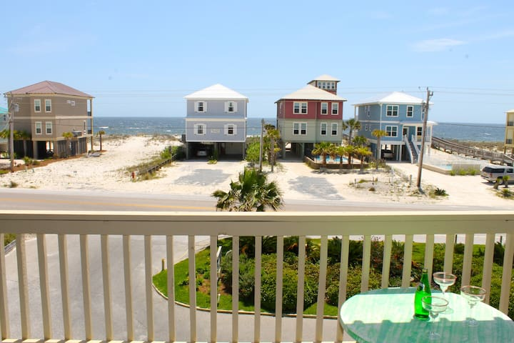 Three balconies of OCEAN VIEWS, steps to the BEACH