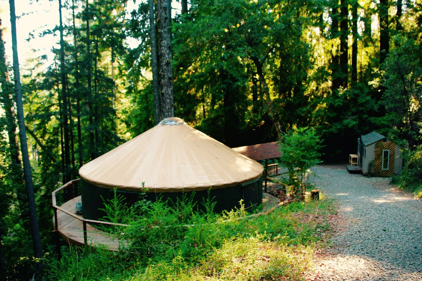 30' yurt for up to 30 people perfect for your next reunion