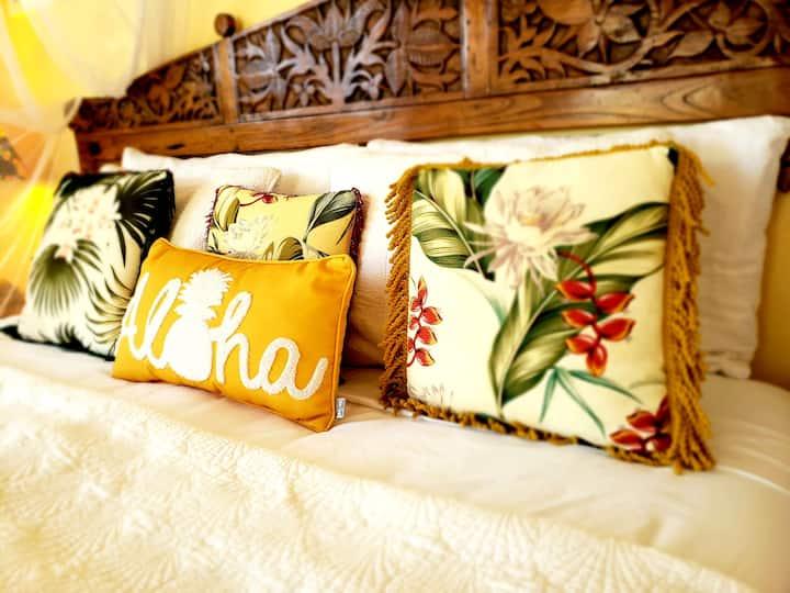 Old Lahaina House - Riviera Room