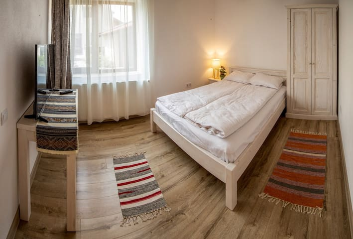Otto's Guesthouse Room 1