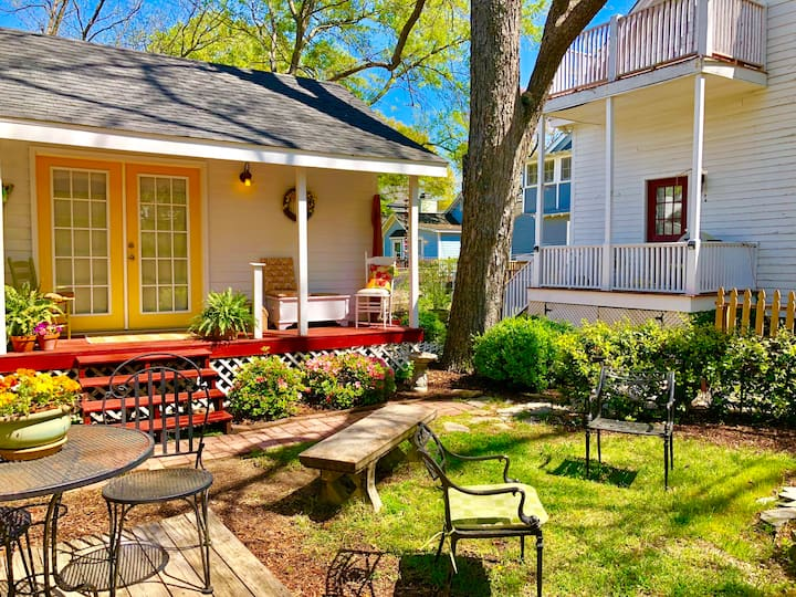 Tiny Guest House secluded USC-Vista-Capitol-Dwntwn