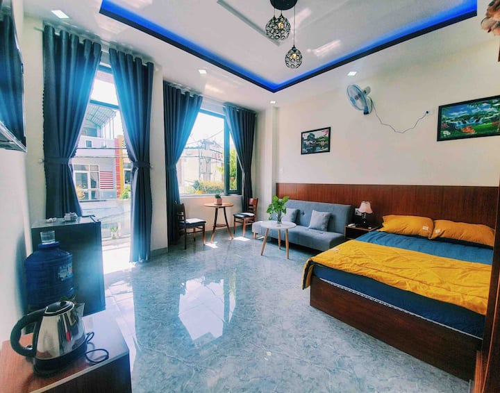 T201Beside River*Large Balcony*Sofa ,Bed*G.Kitchen