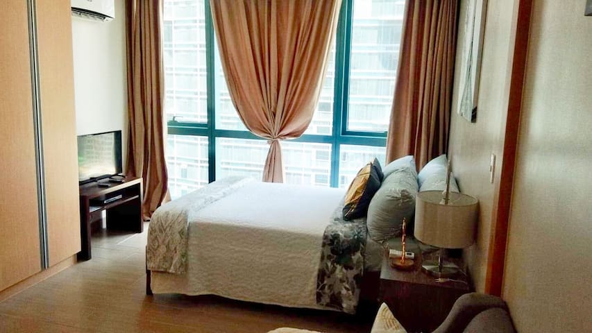 Beautiful place at One Uptown Residence at BGC,