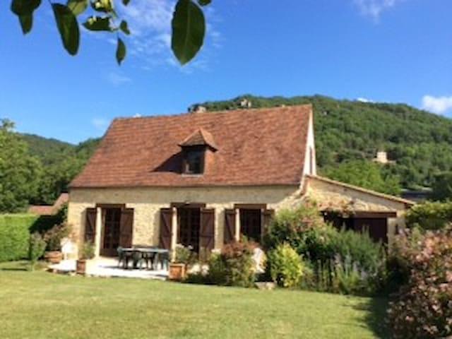 MAISON DE CAMPAGNE AVEC Gde PISCINE  PRIVEE - Saint-Vincent-de-Cosse - Villa
