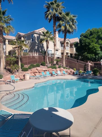 3Bed 2Rm Safe Gated TownHome in Aliante! WiFi free