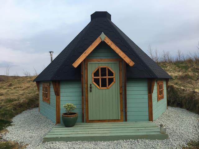 Skye Eco Bells Glamping - Cosy Island Cabin 2 - Orbost  - Cabana