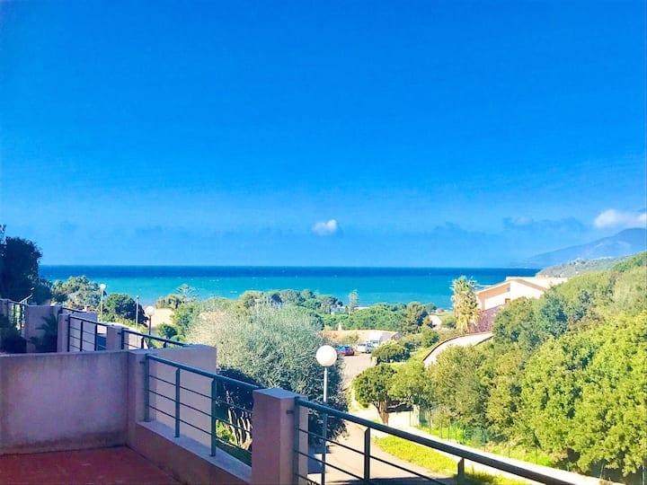 Appartement T3 de standing avec piscine vue mer