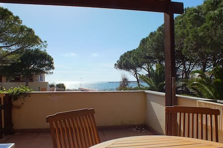 Ideal location and with sea view - Golden River 6