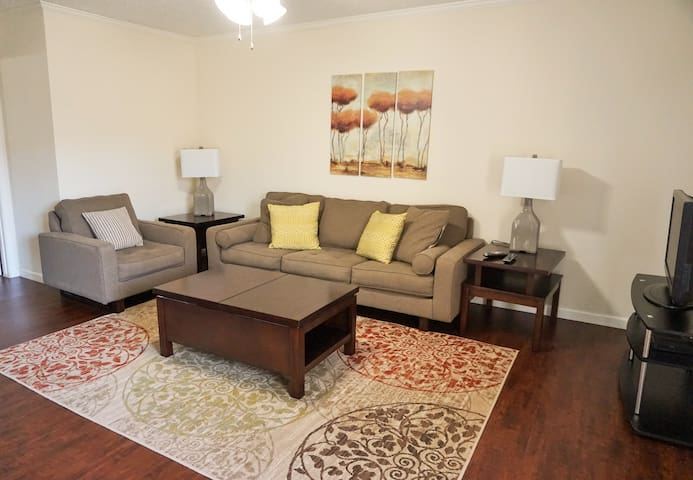Galleria 1 BD w/ Wood Floors - Houston - Pis