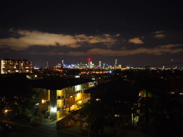 Stunning views close to City & public transport - Coorparoo - Appartement