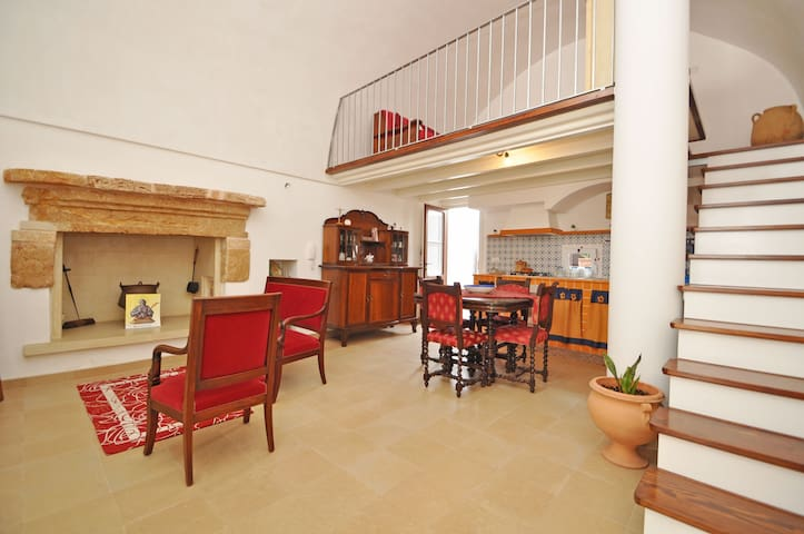 APULIA - BEAUTIFUL HOUSE IN OLD TOWN