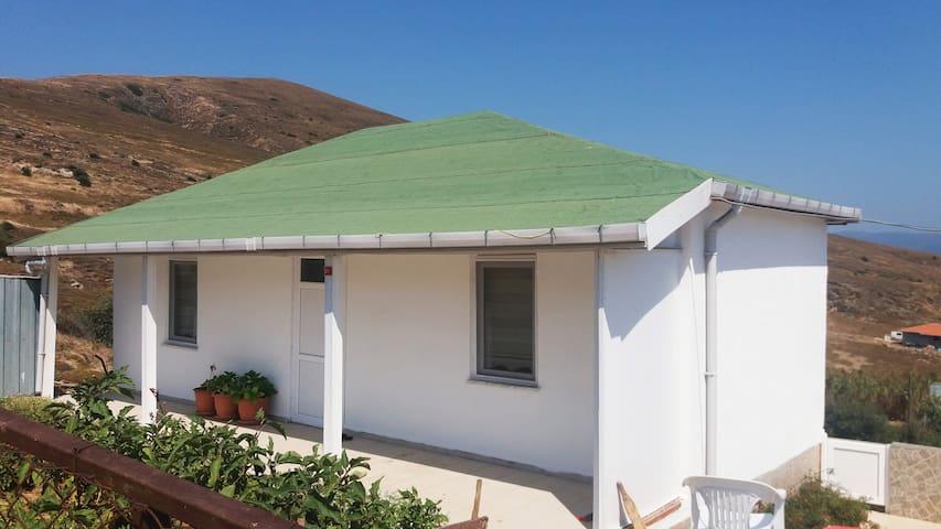 Poyrazlı Köyündeki Küçük Ada Evimiz