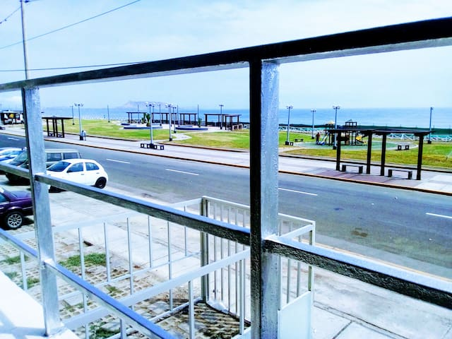 Apartment Ocean Front and Close to the Airport