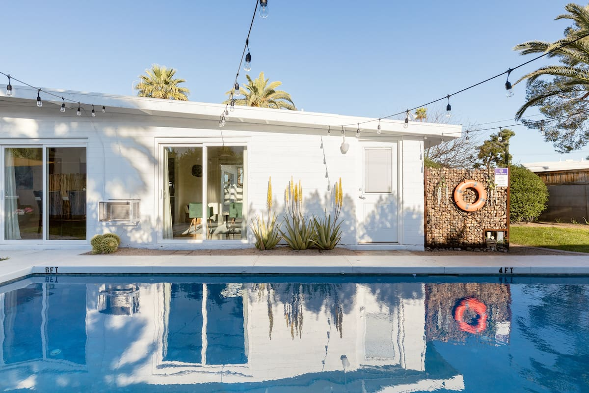 Cozy Zen, Midcentury Retreat Space with Pool and Hot Tub
