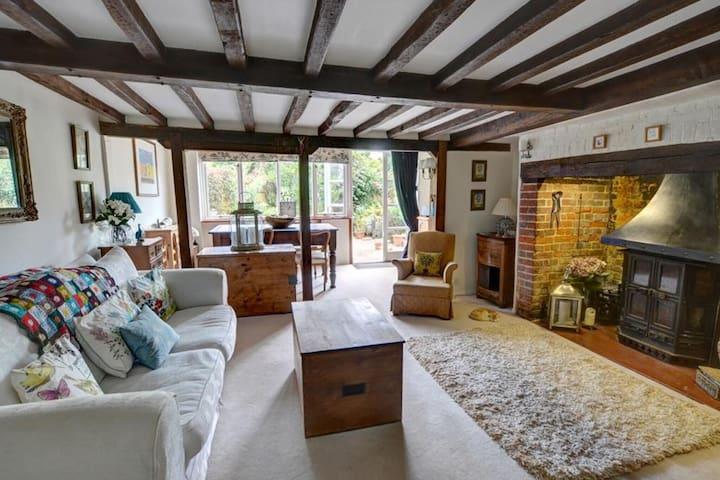Casa vacacional con encanto en Cranbrook con chimenea