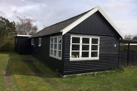 Traditionelt dansk sommerhus - Korsør