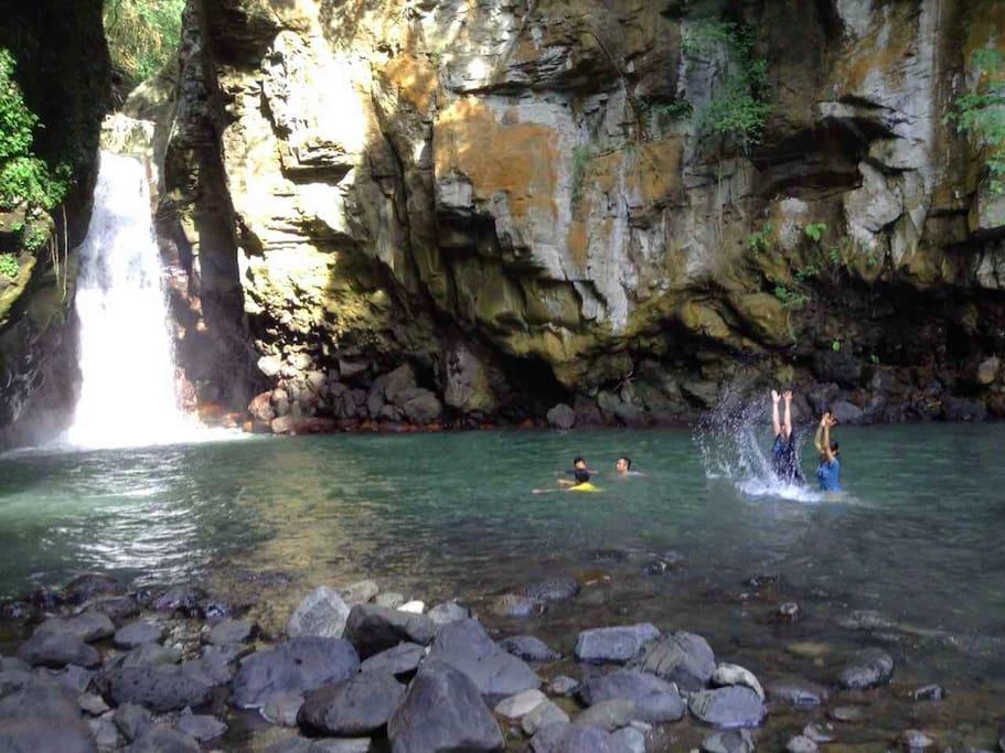 Tembok Barak Waterfalls