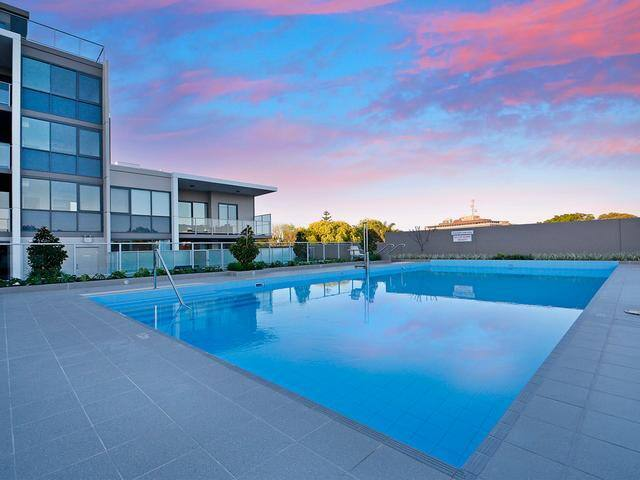 New 2 Bedroom Stay, Pool + Car Bay - Highgate - Apartment