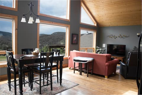 Mountain Chalet - Panoramic Views 45 Min to Denver