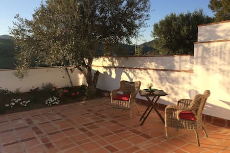 Cute twinhouse near Màlaga - Álora - 獨棟