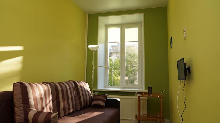 Comfortable small room (1) on Vasilievsky