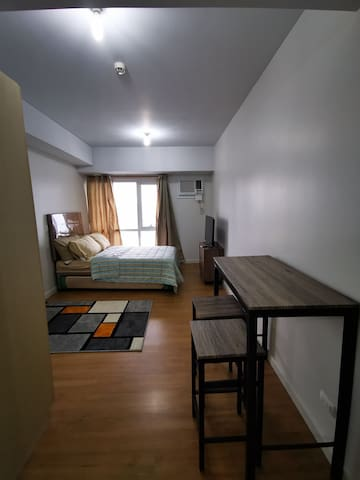 Fully furnished studio unit unit (long-term)