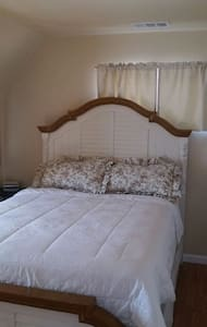 Country Bamboo Bed - Quartz Hill