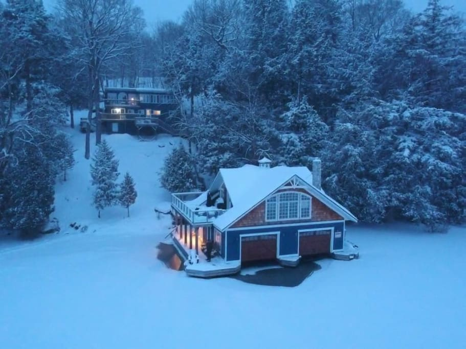 The main cottage and boathouse are both heated (but there is no running water in the boathouse in the winter).